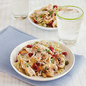 Farfalle with Chicken and Sun-Dried TomatoesRecipe