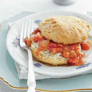 Cat-head Biscuits with Tomato GravyRecipe