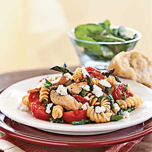 Rotini with Chicken, Asparagus, and TomatoesRecipe