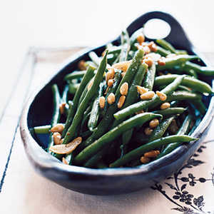 Garlicky Green Beans with Pine NutsRecipe
