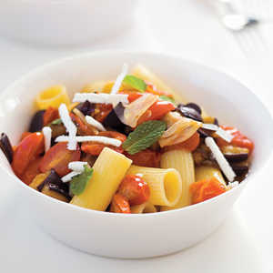 """Rigatoni with Sautéed Eggplant and Tomatoes""Recipe"
