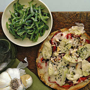 Artichoke Pizzas with Lemony Green Bean SaladRecipe