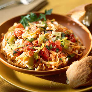 Leeks and Peppers with Linguine Recipe
