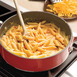 Easy Skillet Pimiento Mac 'n' Cheese Recipe