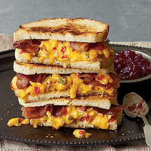 """""""Some Like It Hot"""" Grilled Pimiento Cheese SandwichesRecipe"""