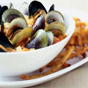 Curried Mussels with Oven FritesRecipe