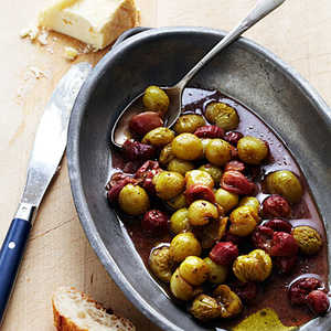 Roasted Grapes with Oozy CheeseRecipe