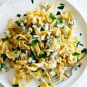 Blue Cheese, Mustard, and Beer NoodlesRecipe