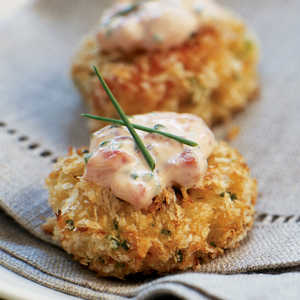 Panko-crusted Crab Cake Bites with Roasted Pepper-Chive AioliRecipe