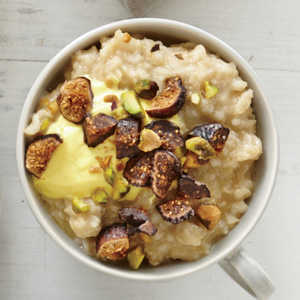 Pistachio, Fig, and Saffron Yogurt Oatmeal Recipe