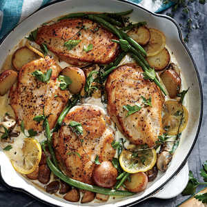 <p>Weeknight Lemon Chicken Skillet Dinner</p>