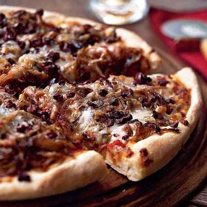 Pizza with Caramelized Fennel, Onion, and Olives