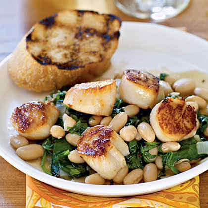 Seared Scallops with Tuscan Beans