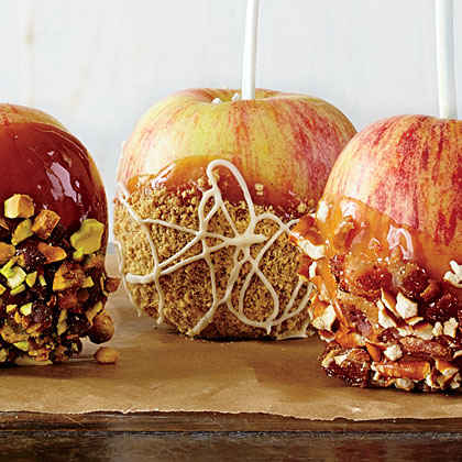 White Chocolate-Pumpkin Pie Caramel Apples