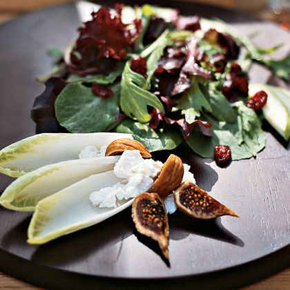 Mesclun Greens with Dried Figs and Goat Cheese