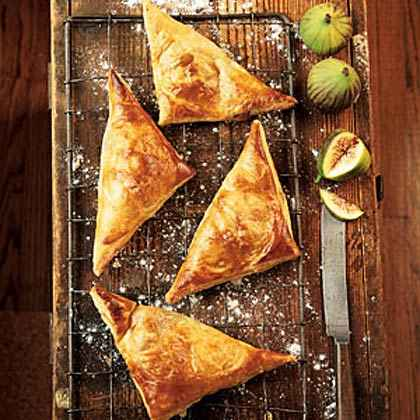 Fresh Fig and Grape Turnovers