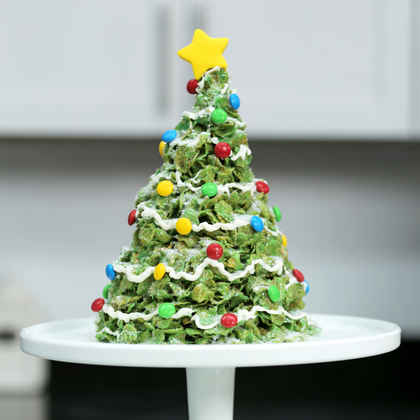 Giant Marshmallow and Cornflakes Christmas Tree Treat
