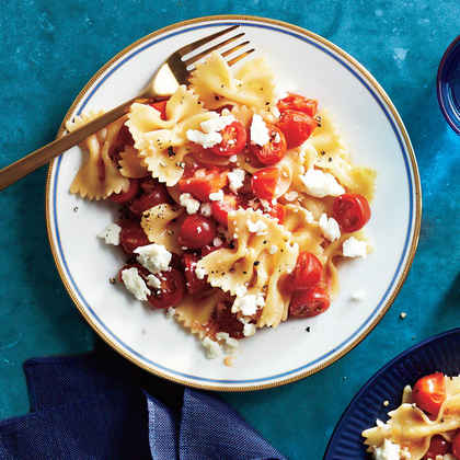 Pasta with Marinated Tomatoes and Feta