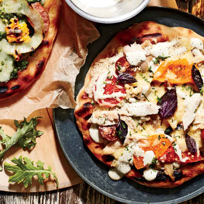 Smoked Chicken Pizza with White Barbecue Sauce