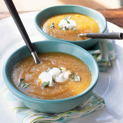 Curried Squash and Apple Soup