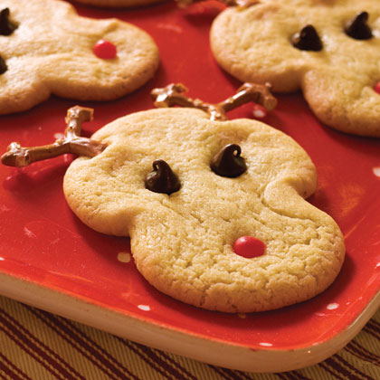 Start with refrigerated sugar cookie dough to make these adorable reindeer-face cookies. The kids can help shape the cookie dough and place the eyes, mouth, and antlers. Only four ingredients required.Recipe:Rudolph's Christmas Sugar Cookies