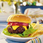 Spicy Cheddar-Stuffed Burgers