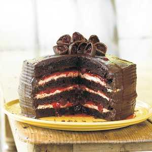 Easy Black Forest CakeRecipe
