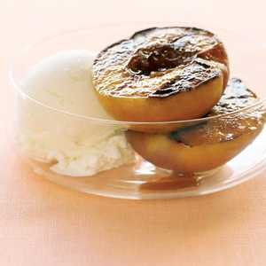 Grilled Peaches with Vanilla Ice Cream Recipe