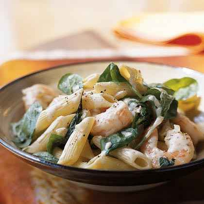 Pasta with Spinach, Nutmeg, and Shrimp