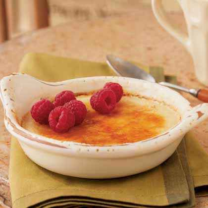 Brûlée: Honey Créme Brûlée with Raspberries