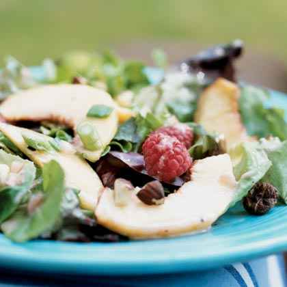 Peaches and Mixed Greens Salad