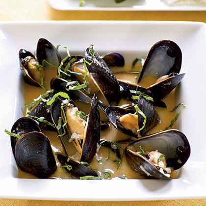 Coconut and Basil Steamed Mussels Menu