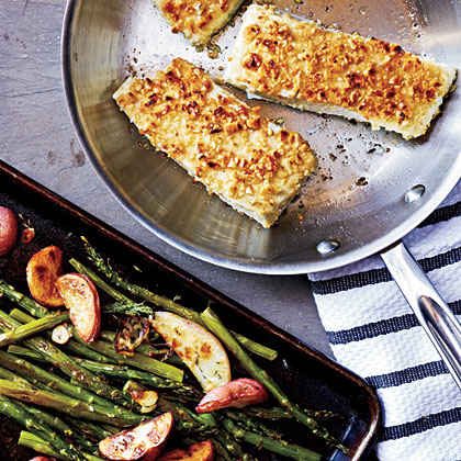 Hazelnut-Crusted Halibut with Asparagus