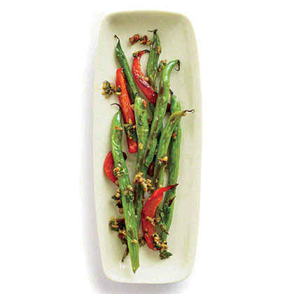 Red Pepper and Pesto Green Beans