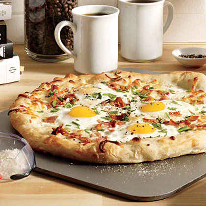 Eggs and Bacon Breakfast Pizza