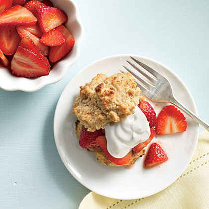 Fresh Strawberry Shortcakes with Yogurt Cream
