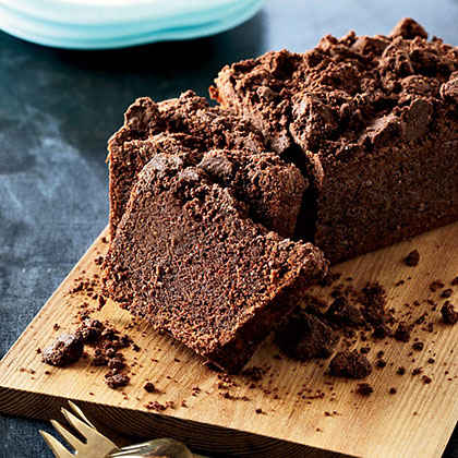 Cocoa-Carrot Cake with Cocoa Crumble