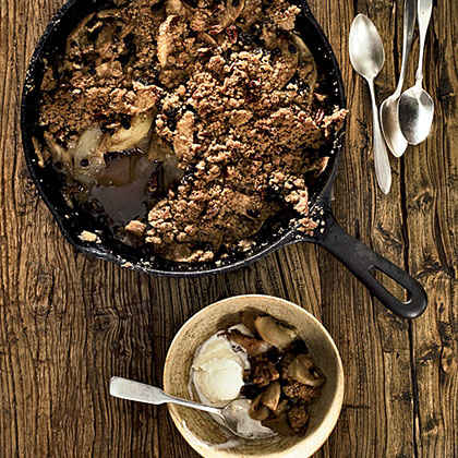 Skillet-Baked Pear-and-Apple Crisp