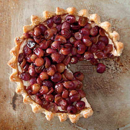 Roasted Grape and Mascarpone Cheese Pie