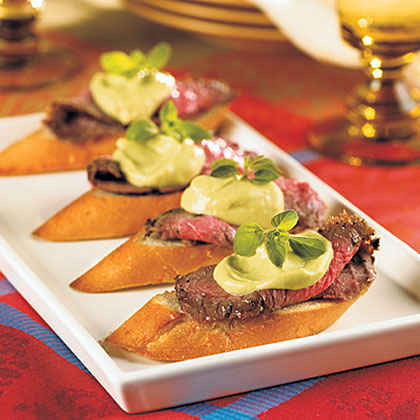Steak Crostini with Avocado-Horseradish Mayo