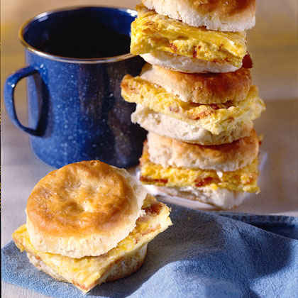 Deluxe Omelet Biscuits