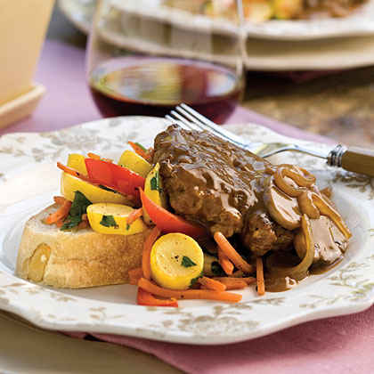 Discus: Hamburger Steak with Sweet Onion-Mushroom Gravy