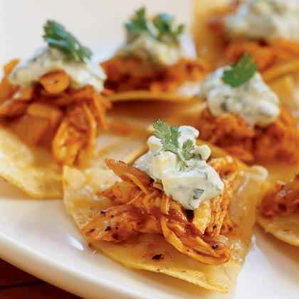 Chicken-Chipotle Nachos with Crema