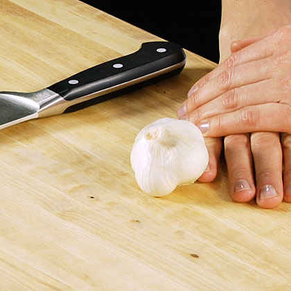 How-to Video: Preparing Garlic