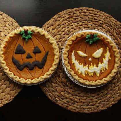 Decorate Store-Bought Pumpkin Pies for Halloween