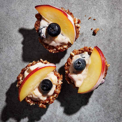 Nectarine-Blueberry Frozen Yogurt Pie Bites