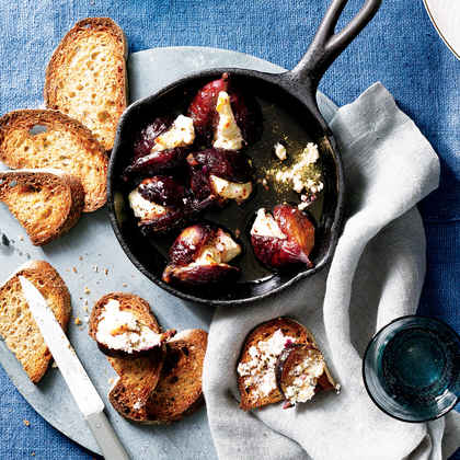 Roasted Figs with Goat Cheese, Honey and Pepper