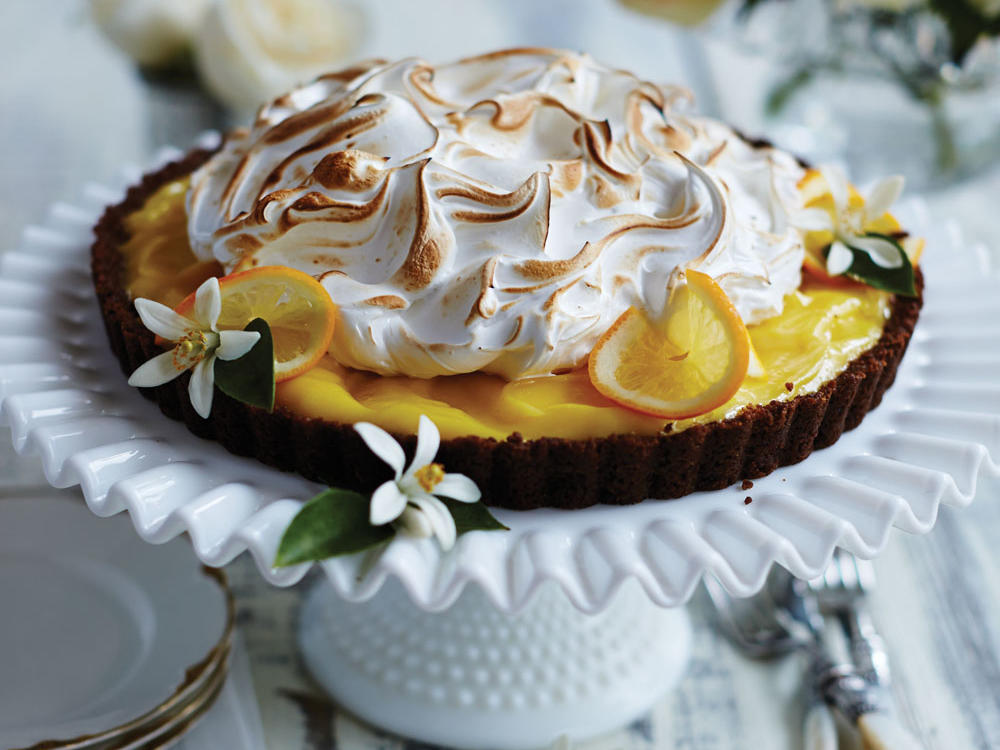 <p>Gingersnap-Meyer Lemon Meringue Tart</p>