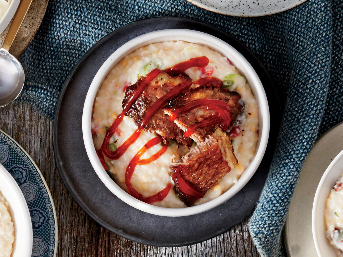 pimiento-cheese-and-brisket-grits