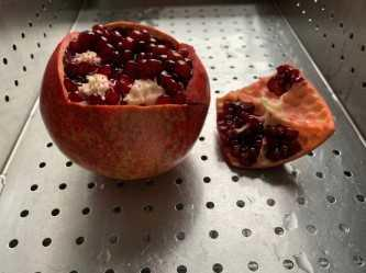 pomegranate-wedge-out